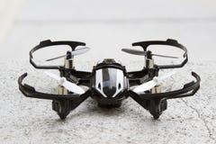 Quadcopter del micrófono del abejón Fotos de archivo
