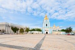 Quadrado abobadado dourado da catedral de St Michael em Kiev, Ucrânia Imagens de Stock