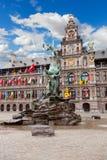 Quadrado central e estátua de Brabo em Antwerpen Fotos de Stock Royalty Free