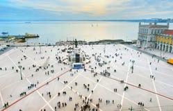 Quadrado comercial aglomerado, Lisboa, Portugal fotos de stock royalty free