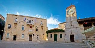 Quadrado da câmara municipal de Trogir, local do UNESCO Foto de Stock Royalty Free