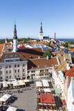 Quadrado da câmara municipal na cidade velha de Tallinn, Estônia o 26 de julho, Fotos de Stock