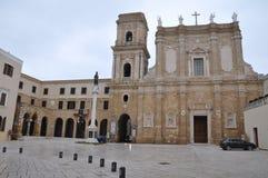 Quadrado da catedral em Brindisi imagens de stock