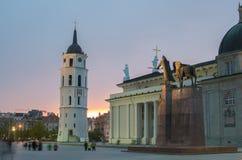 Quadrado da catedral em Vilnius imagem de stock