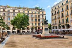 Quadrado da independência em Girona imagens de stock
