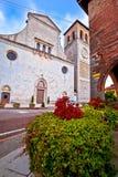 Quadrado de Cividale del Friuli e opinião da igreja fotografia de stock royalty free