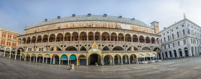Quadrado de Erbe, vista no della Ragione de Palazzo, Padua, Itália Imagem de Stock Royalty Free
