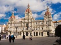 Quadrado de Maria Pita com sua construção magnífica da câmara municipal da cidade Foto de Stock