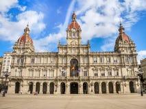 Quadrado de Maria Pita com sua construção magnífica da câmara municipal da cidade Fotos de Stock