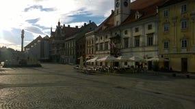 Quadrado de Maribor com lugar para o café imagem de stock royalty free