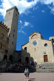 Quadrado de Praça del Domo na cidade de San Gimignano em Toscânia, Itália Foto de Stock