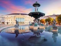 Quadrado de Rossio em Lisboa Portugal imagem de stock