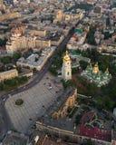 Quadrado de Sofievskaya e St Sophia Cathedral em Kiev, Ucrânia fotos de stock