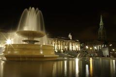 Quadrado de Trafalgar em a noite Imagens de Stock Royalty Free