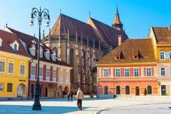 Quadrado do Conselho, Piata Sfatului e igreja preta dentro Imagens de Stock Royalty Free