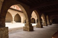 Quadrado do EL Cristo Rey Cantavieja, província de Castellon, Espanha fotos de stock royalty free