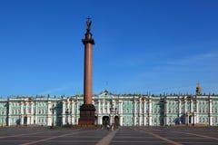 Quadrado do palácio, museu do eremitério, borne Alexandrian Fotos de Stock