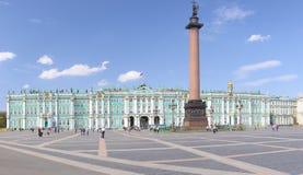 Quadrado do palácio, St Petersburg, Rússia Fotografia de Stock Royalty Free