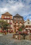 Quadrado em Bergheim, Alsácia, França Imagem de Stock Royalty Free