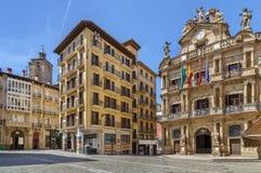 Quadrado em Pamplone, Espanha imagem de stock