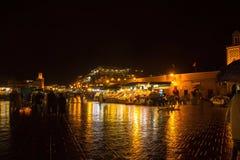 Quadrado famoso do EL Fna de Jemaa aglomerado C4marraquexe, Marrocos Imagem de Stock
