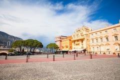 Quadrado na frente da residência do príncipe em Mônaco imagem de stock royalty free
