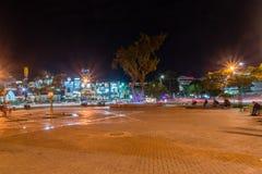 Quadrado no grande círculo árabe da revolta na noite foto de stock royalty free