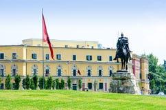Quadrado principal de Tirana fotografia de stock royalty free