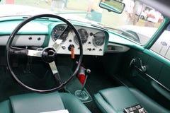 Quadranti classici dell'interno dell'automobile sportiva Fotografia Stock Libera da Diritti