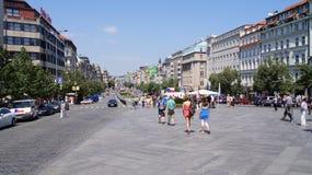 Quadrat Ansicht-St. Wenceslas mit dem Leutegehen Stockfotografie
