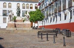 Quadrat Cordoba- - Plazadel Conde Des Priego mit dem Denkmal zu Manolete Stockfotos
