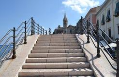 Quadrat des Jachthafens Corta - Lipari lizenzfreies stockbild