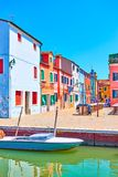 Quadrat durch Kanal in Burano, Venedig stockfotografie