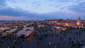 Quadrat Jemaa EL Fna in Marrakesch, Marokko stock footage