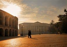 Quadrat mit Veronas römischer Arena lizenzfreie stockfotos