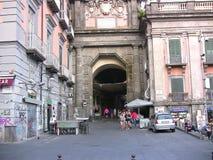 Quadrat Port'Alba Neapels Dante Lizenzfreies Stockfoto
