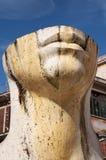 Quadrat Tivolis Trento, Statue durch Igor Mitoraj Lizenzfreies Stockfoto