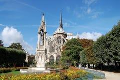 Quadrat von Notre Dame Lizenzfreie Stockfotos