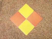 Quadrate auf dem Steinboden Stockbilder