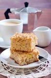 Quadrati del dolce di caffè della mela Fotografia Stock Libera da Diritti