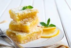 Quadrati piccanti del limone fotografia stock