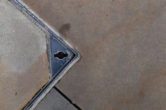 Quadratischer konkreter Abwasserkanal-Kanaldeckel-Stahlrahmen Stockbilder
