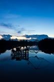 Quadratisches Badnetz im Kanal. Lizenzfreie Stockfotografie
