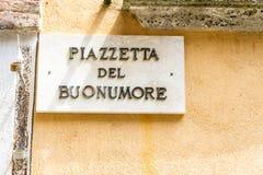 Quadratisches Kennzeichen der guten Laune in Italien lizenzfreie stockfotos