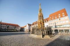 Quadrato centrale di vecchia città in Nurnberg, Germania fotografie stock libere da diritti