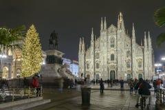 Quadrato del duomo con l'albero di Natale a Immagine Stock
