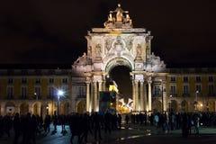 Quadrato del palazzo o quadrato di commercio alla notte. Lisbona. Il Portogallo Fotografia Stock