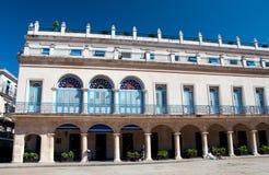 Quadrato delle braccia e l'hotel Santa Isabel Cuba Immagine Stock