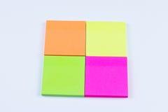 Quadrato delle note appiccicose colorate Fotografia Stock