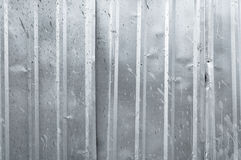 Quadrato di alluminio del metallo del fondo del primo piano del vecchio zinco verticale di struttura Immagini Stock